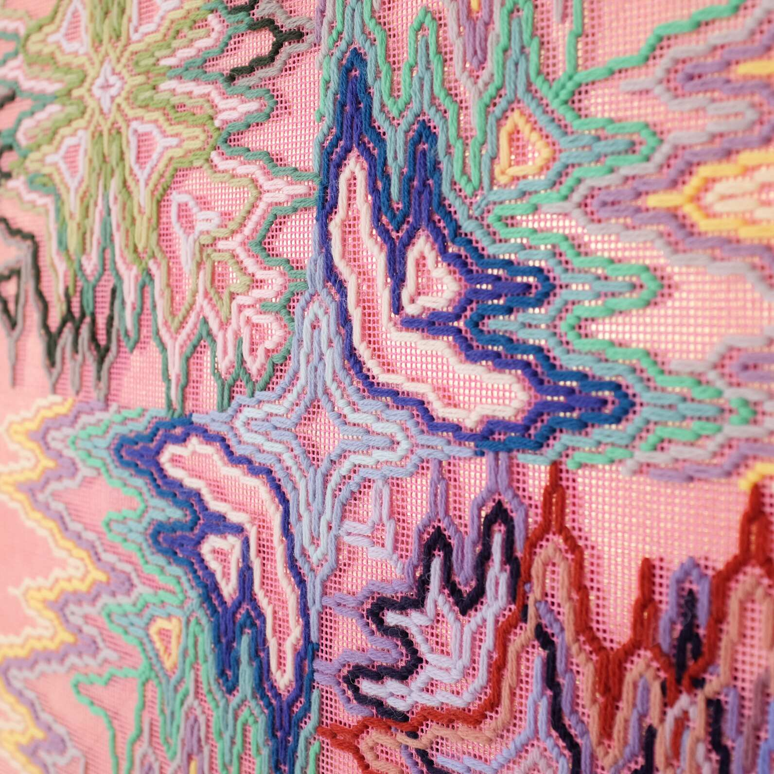 A big bang (nature's synchronicity), Hand-embroidered wool yarn and acrylic paint on canvas over gilded panel, 2021